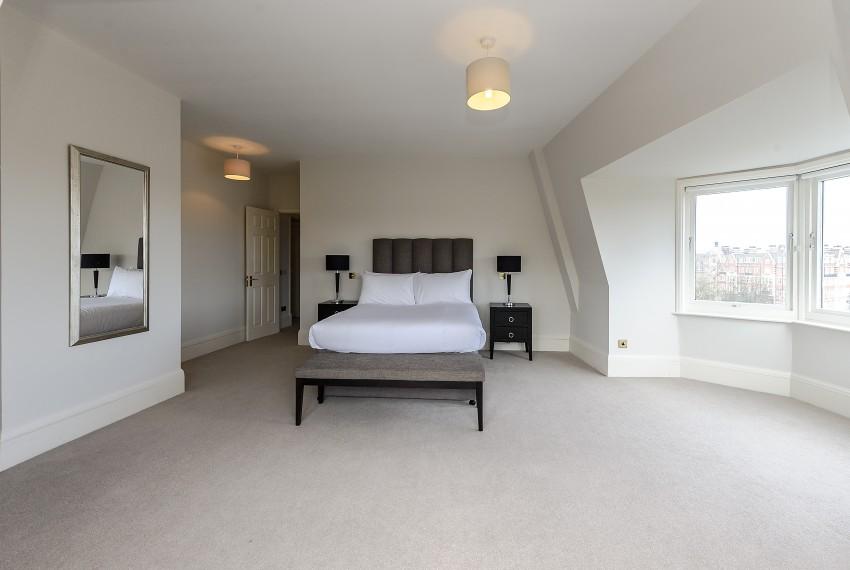 Penthouse B, bedroom 1