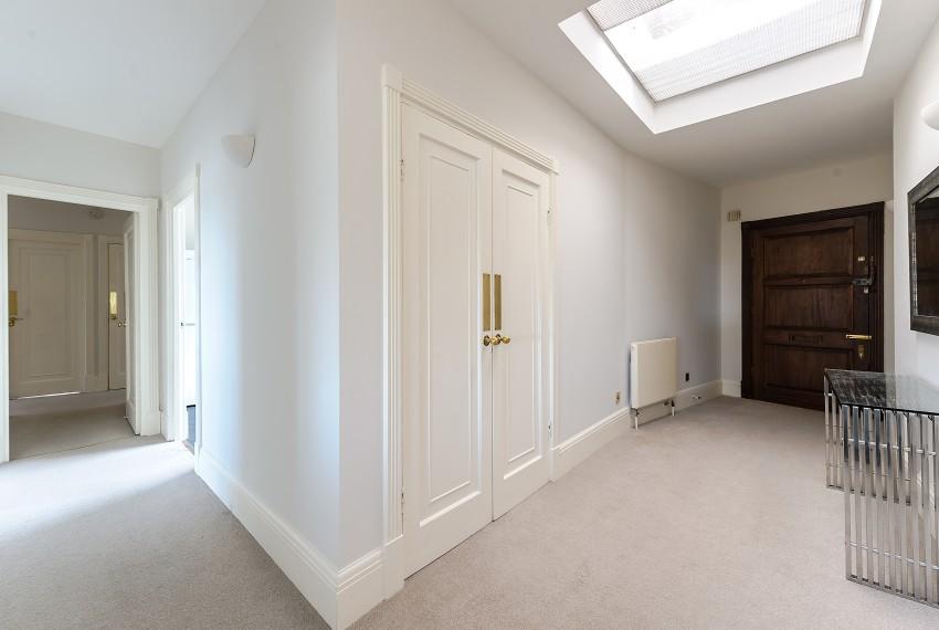 Penthouse B, hallway